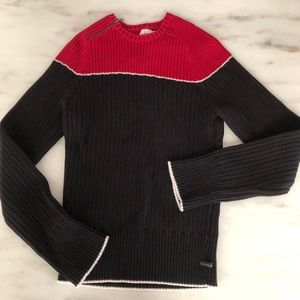 Calvin Klein sweater. Sporty and striking look.